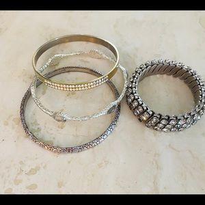 Jewelry - Women's bundle fancy bangle bracelets.